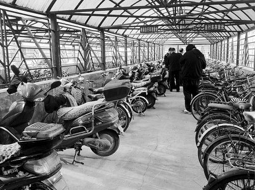 5月沈阳自行车全有停车位 非法交易场所全部取缔