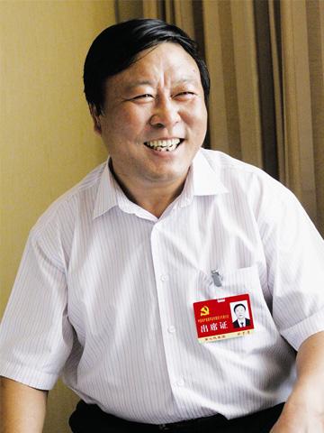 葫芦岛市杨家杖子开发区工委书记,管委会主任郑子清  杨兵 摄(图片