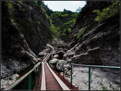 建昌龙潭大峡谷位于辽宁省,河北省交界处,葫芦岛市建昌县老大