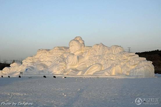 棋盘山的冰雪雕塑美轮美奂